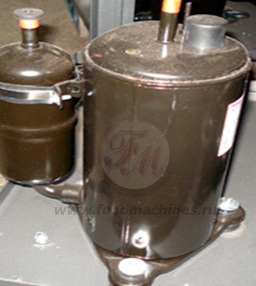 Основной компрессор аппарата для мягкого мороженого