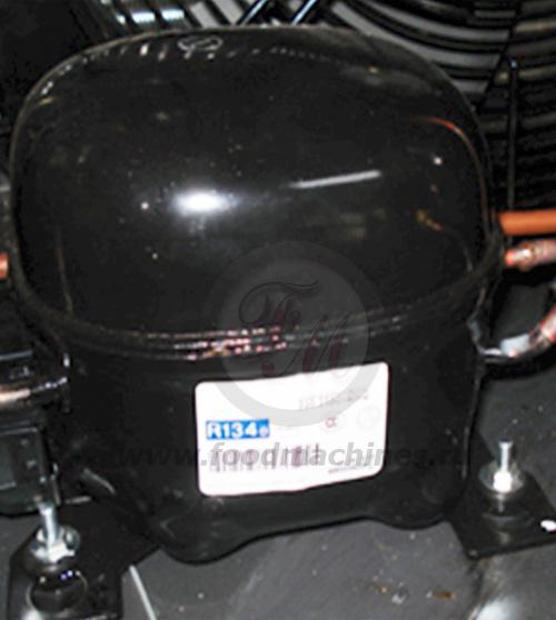 Компрессор системы предохлаждения аппарата для мягкого мороженого